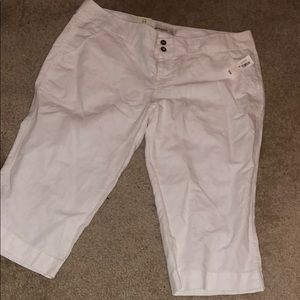 Old Navy Mid-Rise Capris